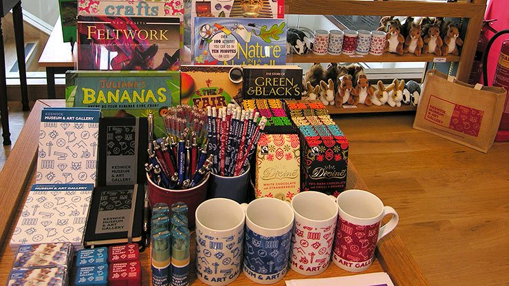Museum shop gifts and souvenirs